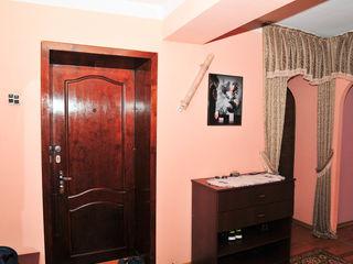 Продается квартира, БАМ ул.Болгарская,  площ.100кв.м. 4-комнаты + столовая