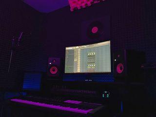 Studiou de inregistrare (productie, inregistrare voce, mix mastering)