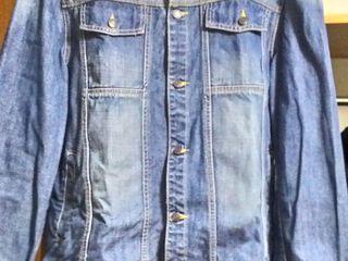 продам джинсовую куртку новую