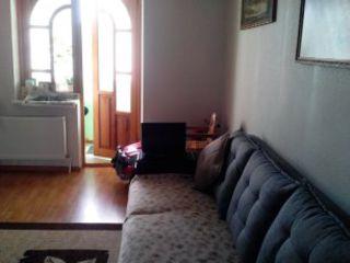 Продается двух комнатная квартира срочно