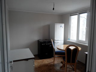 Se vinde casă din cotileț, cu 3 camere + 6 arii, Buiucani, str. Roșiori!