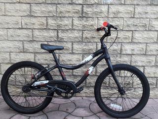 Продам велосипедик Giant от 5 до 9 лет . Размер колес 20.