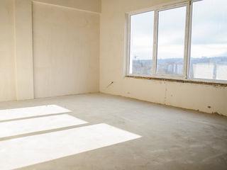 Buiucani - apartament cu 4 odai + ograda personala+parcare personala - DOAR 4 familii in