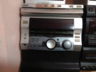 Sony усилитель вместе с радио. Очень мощный