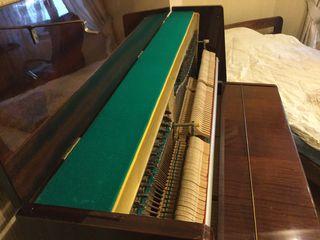 Пианино Красный Октябрь отличное состояние