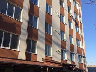 Apartament 92m Ialoveni centru, urgent