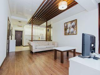 Chirie!Apartament cu 1 Camera+living, Centru !