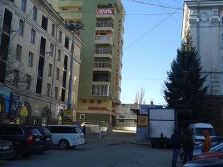 Продаются парковочные места в новострое по ул.Штефан чел Маре 1,под капитальным навесом