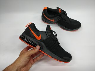 Nike air presto black orange