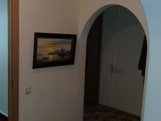 Srocno 4 х ком, квартира в центре