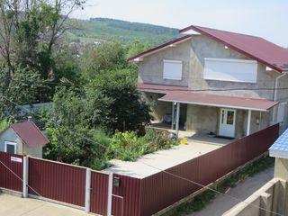 Чадыр-Лунга - новый современный 2-хэтажный дом