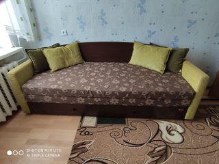 Vând pat bun la un preț bun.