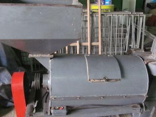 Шелушильно-обоечная машина