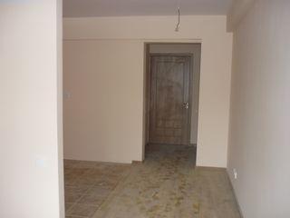Vind apartament, Stauceni, et.3, pret mic