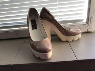 Продам обувь в очень хорошем состоянии
