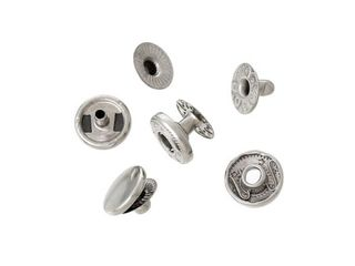 Aplicam capse metalice (zacleopci) pe scurte ,paltoane ,blugi ,fuste ,forme de lucru ,cămăși !!