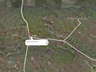 25 соток, 70 км от Кишинева, идеальный участок для бизнеса-заправки!