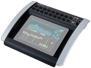 Mixer digital Behringer X18. livrare în toată Moldova,plata la primire