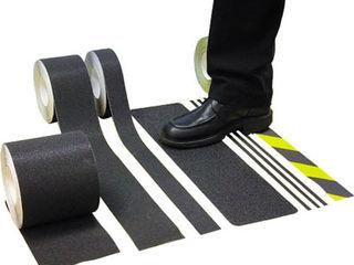 Скользко! Противоскользящие накладки на ступени. Кругляшки. Придверные решетки.