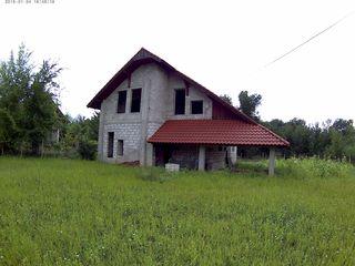 casa individuai 2 nevel cetrosu / дом кетросы 13 соток земли серый вариант
