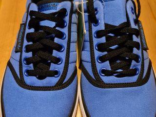 Оригинальные кроссовки 42 размер