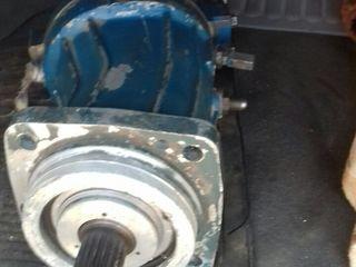 Ускорительный гидромотор/гидронасос регулируемый грузовой лебедки автокрана камаз