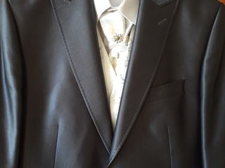 Мужской свадебный костюм