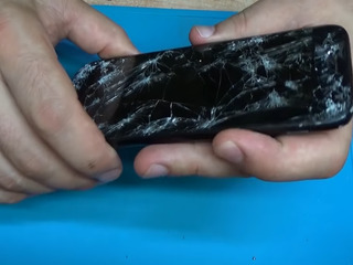 Samsung Galaxy A11, Треснул экран – на ремонт отдавай нам!