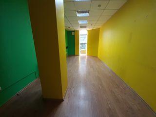 Сдаем офисное помещение 23,33m2 на Рышкановке! Московский проспект! Первая линия!