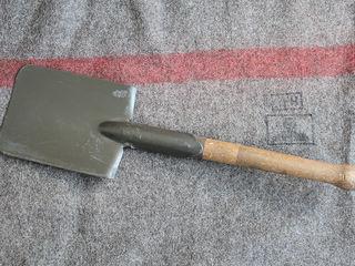 Feldspaten / Пехотная лопатка