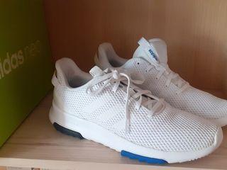 Новые кроссовки Adidas (40 размер) - 950 лей