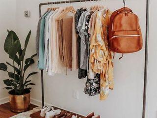 Стойки и вешала для одежды