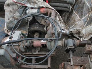calblu de 3 faze - 500 m;  țevi 120 -12m;  mpompă cu cpacitatea de 120 tone, cu motor de 30 KW