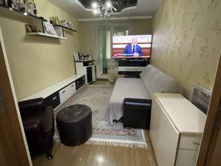 Vand apartament cu 2 camere Euroreparatie
