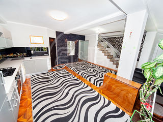 Apartament cu 102 m2 2 nivele autonomă euro reparat Botanica str. Nicolae Zelinski