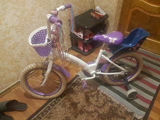 Vind bicicleta pentru fetita