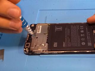 Xiaomi Mi Max 2 Nu se încarcă smartphone-ul -Luăm, reparăm, aducem !!!
