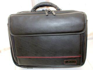 """Bag """"Targus"""" pentru un laptop și documente! Piele naturală! Cel mai înalt nivel de calitate!"""