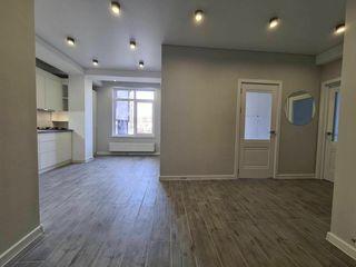 Centru, str. Cojocarilor, apartament cu 3 camere, 58 m.p, 62 000€