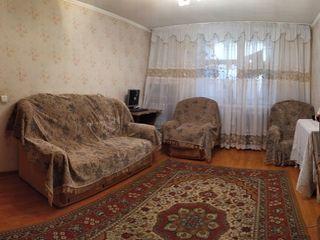 продается 2-х комнатная квартира в самом центре города Единец