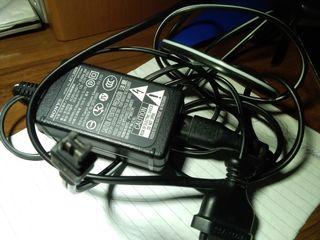 Зарядка для камеры Soni 100 лей
