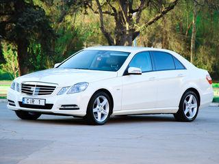 Chirie/прокат Mercedes-Benz albe/negre (белые/черные)