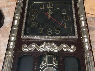 Настенные часы очень красивые