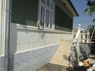 Casa bine construita  la Calarasi, 6 ari, reparatie, mobila, tehnica, garaj, canalizare centralizata