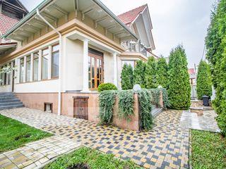 Casă luxoasă într-o zonă privată și liniștită pe stradela Olga Vrabie