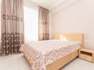Chirie  Apartament cu 3 odăi, Centru,  str. Nicolae Starostenco, 420 €