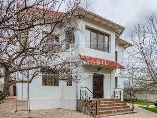 Grătieşti, str. Ștefan-cel-Mare, vânzare casă, 220 m.p, teren 6 ari, 209 900 €