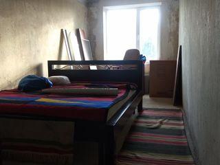 Se vinde apartament cu 2 odai satul. Ivancea