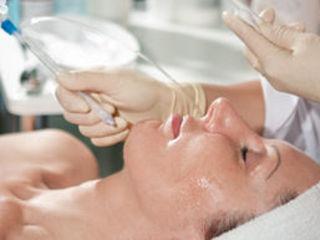 Tratarea acneei, pigmentatie si proceduri pentru toate tipurile de ten.