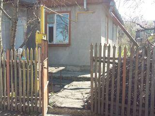 Продается дом-дача  с участком в садовом товариществе Flori de Măr,участок 81.